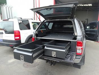 Zásuvkový systém Toyota Hilux 05-15